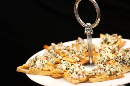 Pita Brot mit Humus, Feta & Granatapfel